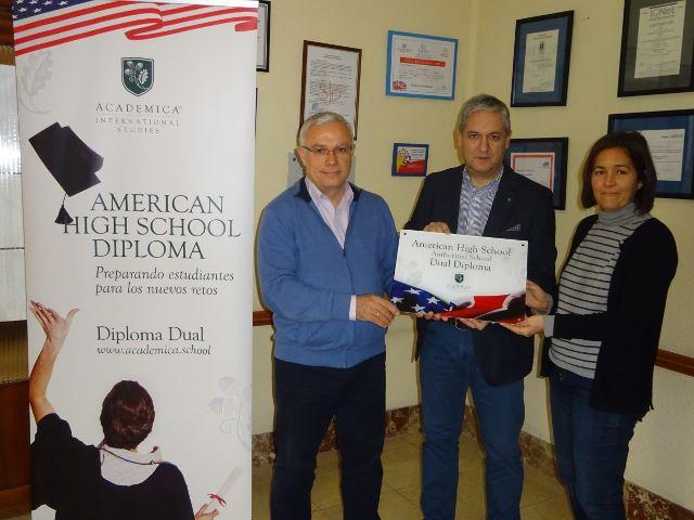 Colegio San Juan Bosco Placa Acreditativa Bachillerato Dual Americano
